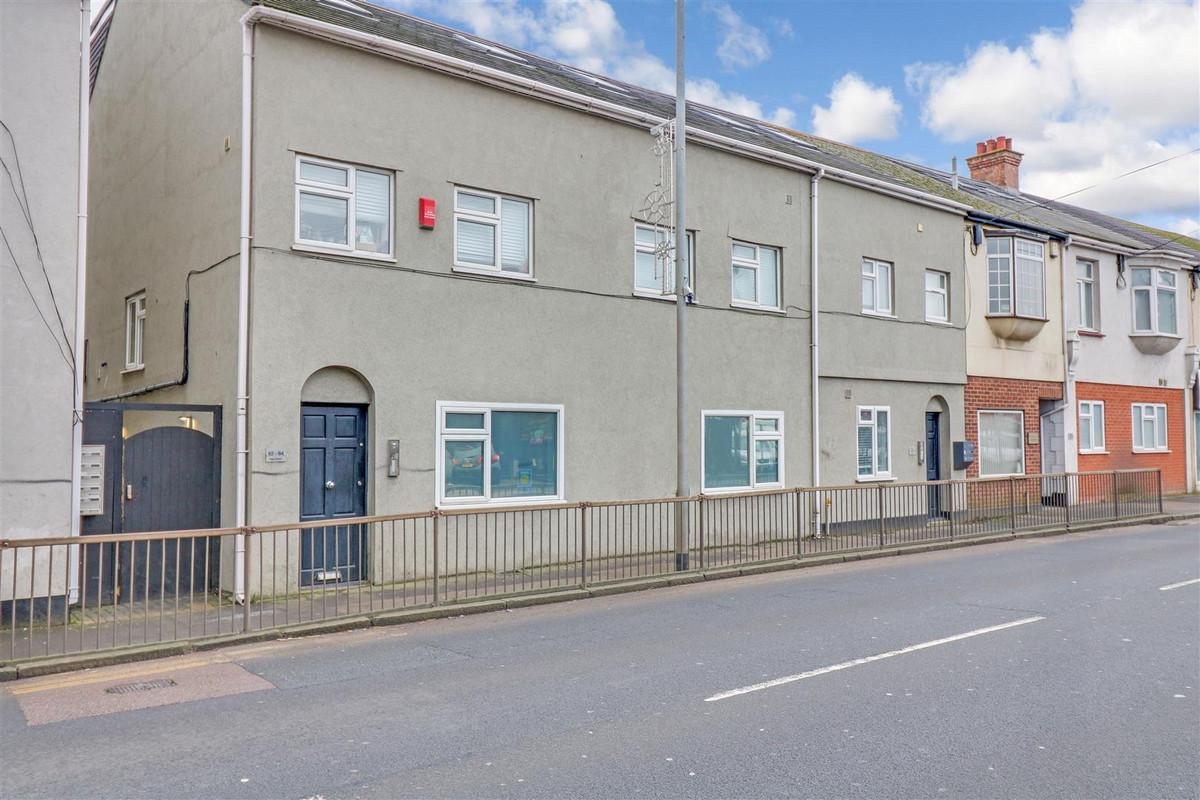 Image 1 of High Street Hadleigh, Benfleet, SS7