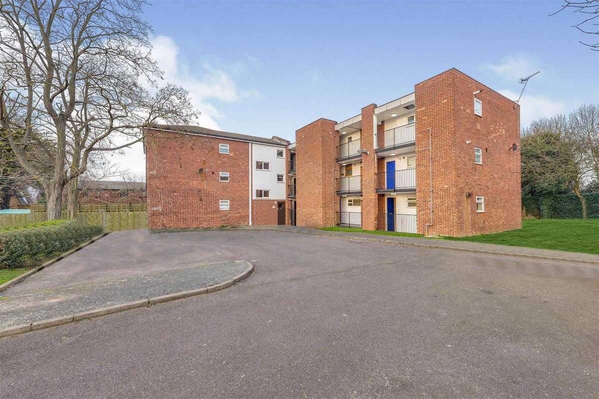 Image 1 of Appleford Court, Basildon, SS13