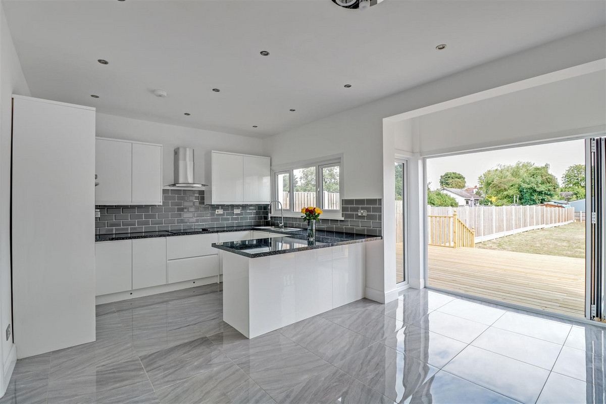 Image 1 of Southbourne Grove, Westcliff-on-sea, SS0