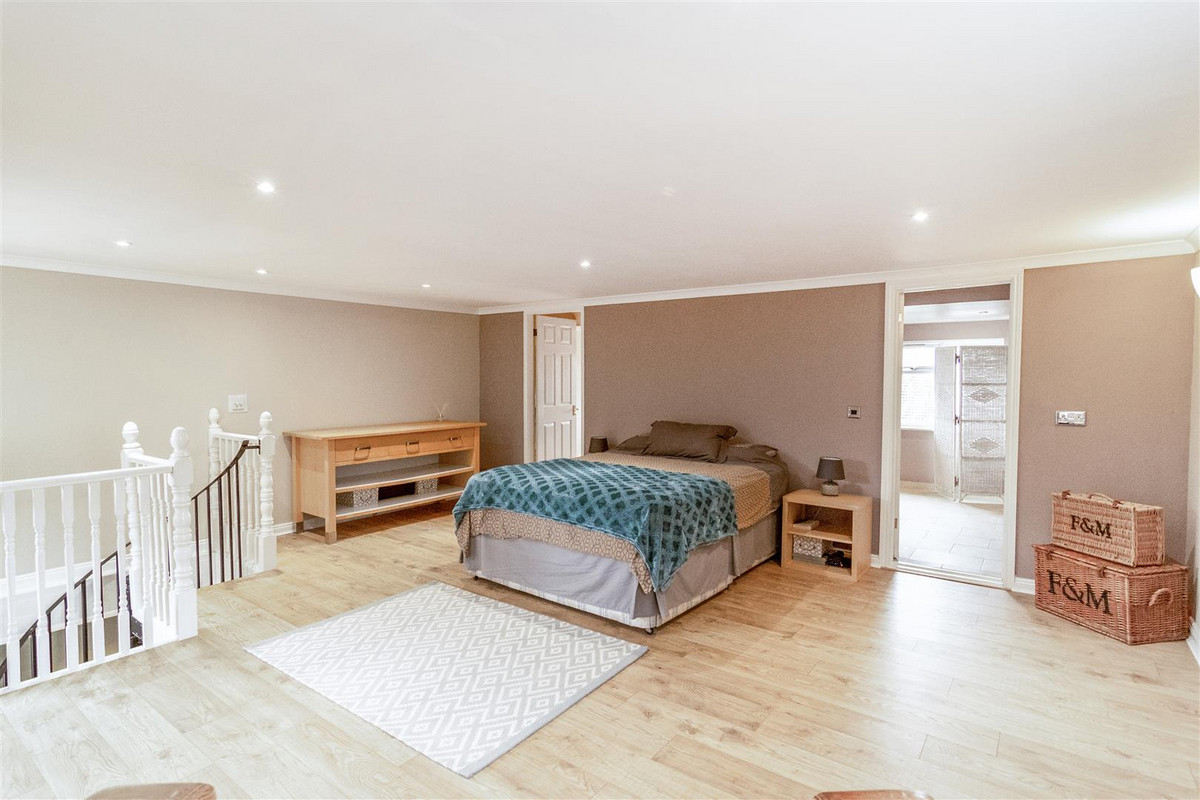 Image 1 of Central Close, Hadleigh, SS7