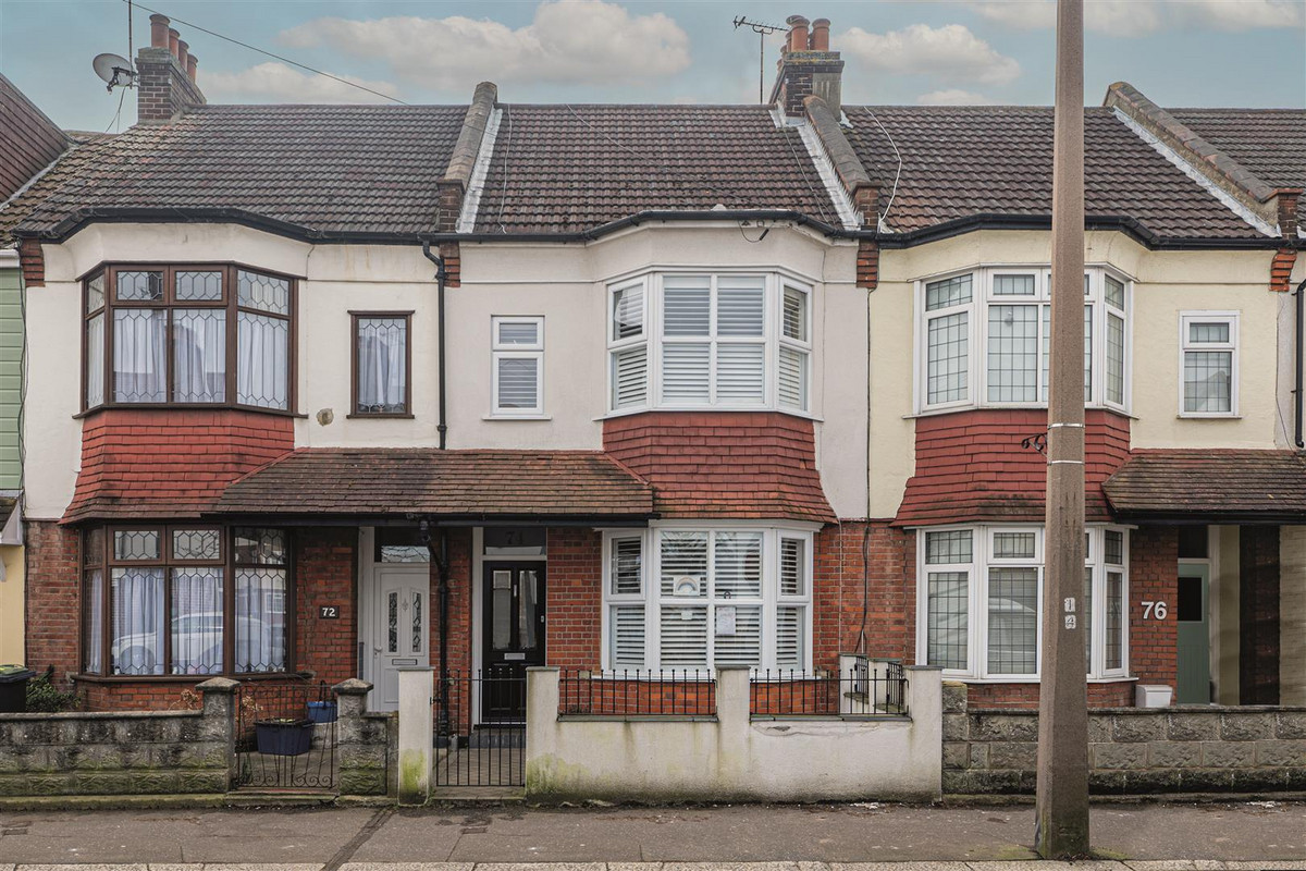 Image 1 of Glendale Gardens, Leigh-on-sea, SS9