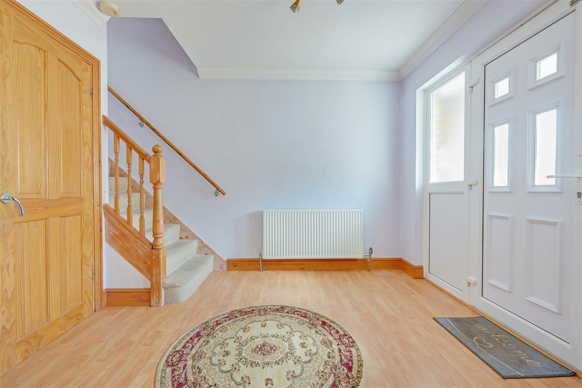 Image 1 of Broadclyst Avenue, Leigh-on-sea, SS9