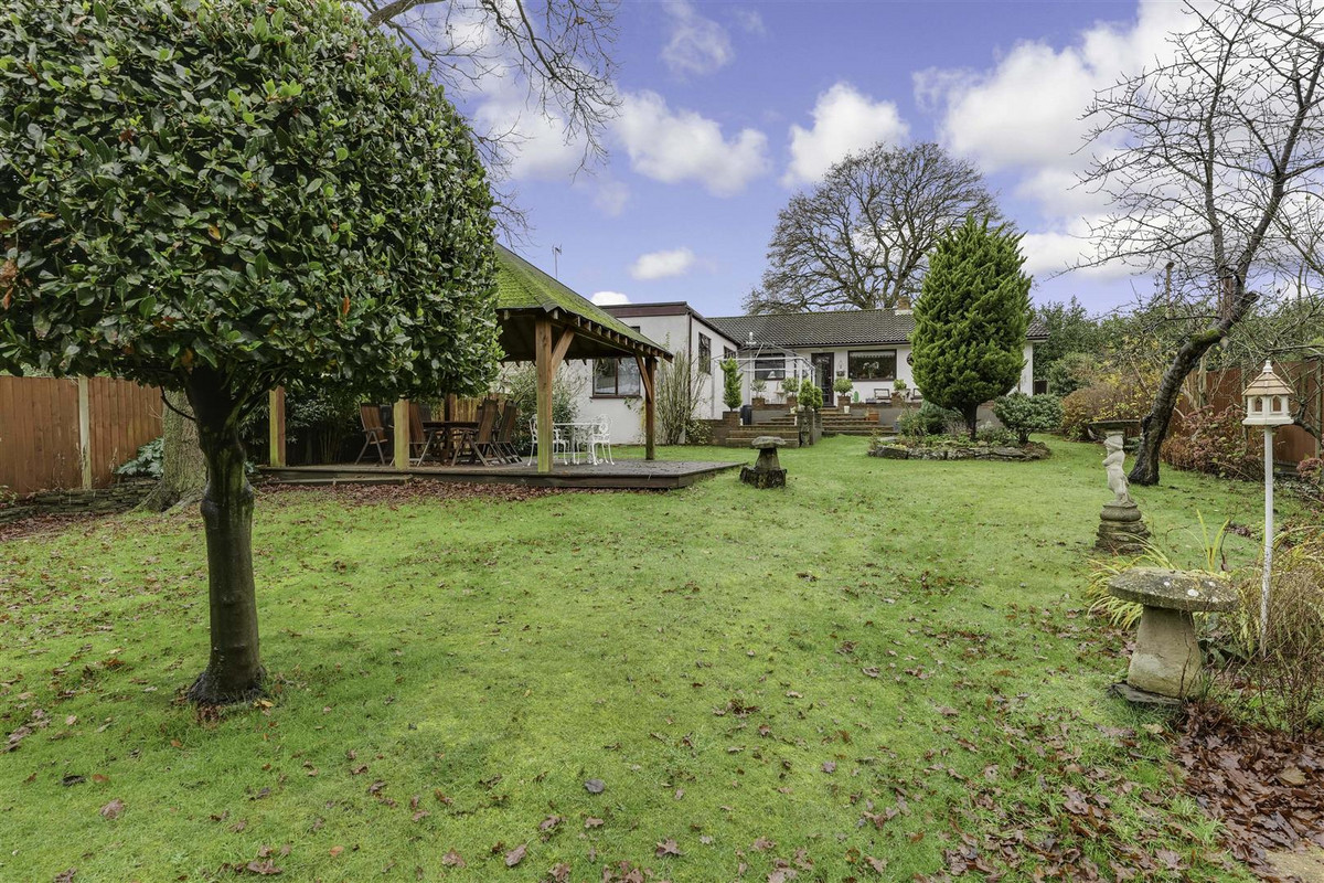 Image 1 of Warwick Road, Rayleigh, SS6