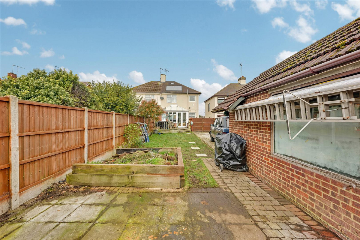 Image 1 of Snakes Lane, Southend-on-sea, SS2