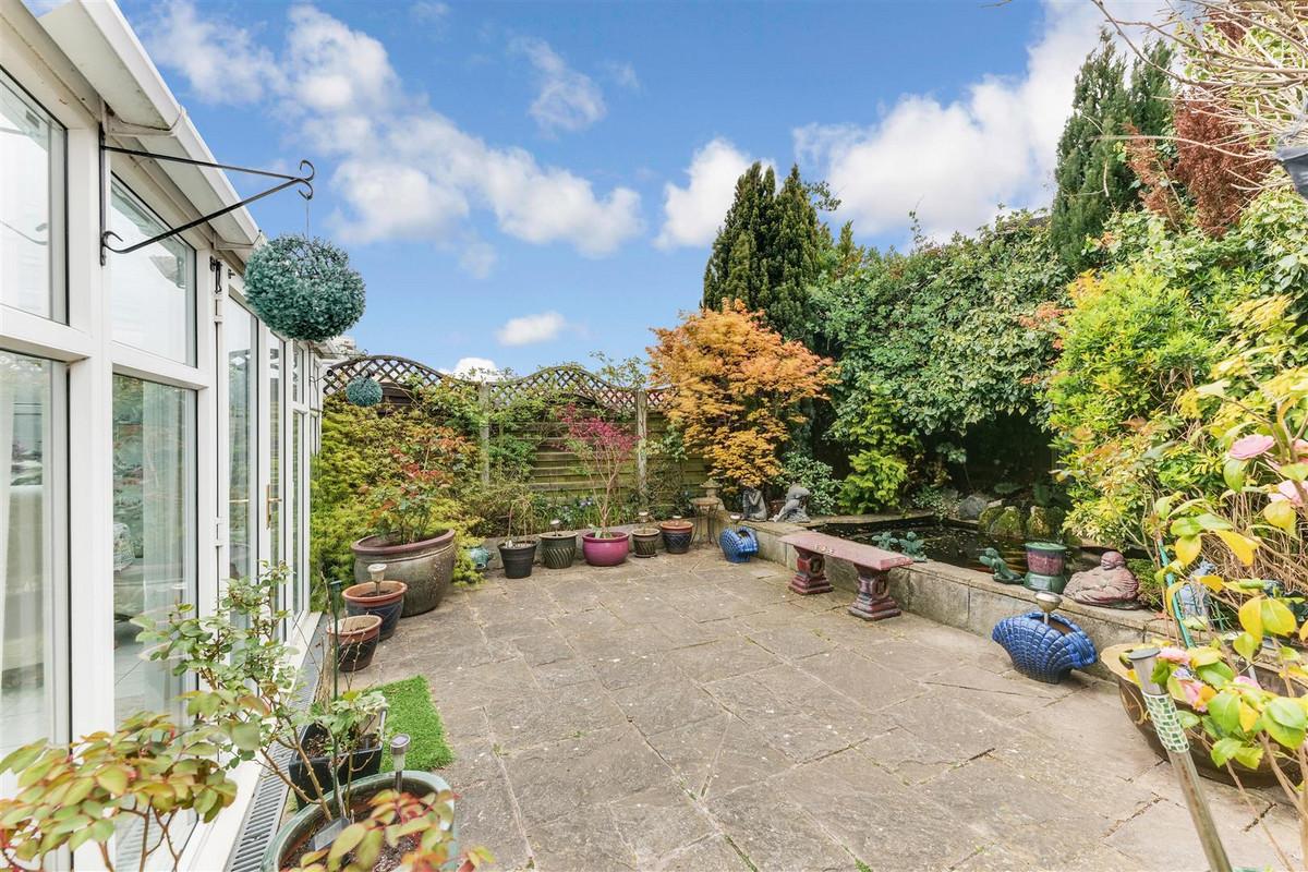 Image 1 of Westwood Gardens, Benfleet, SS7