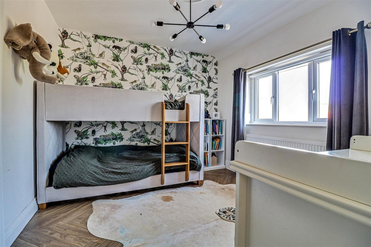 Image 1 of Mountdale Gardens, Leigh-on-sea, SS9
