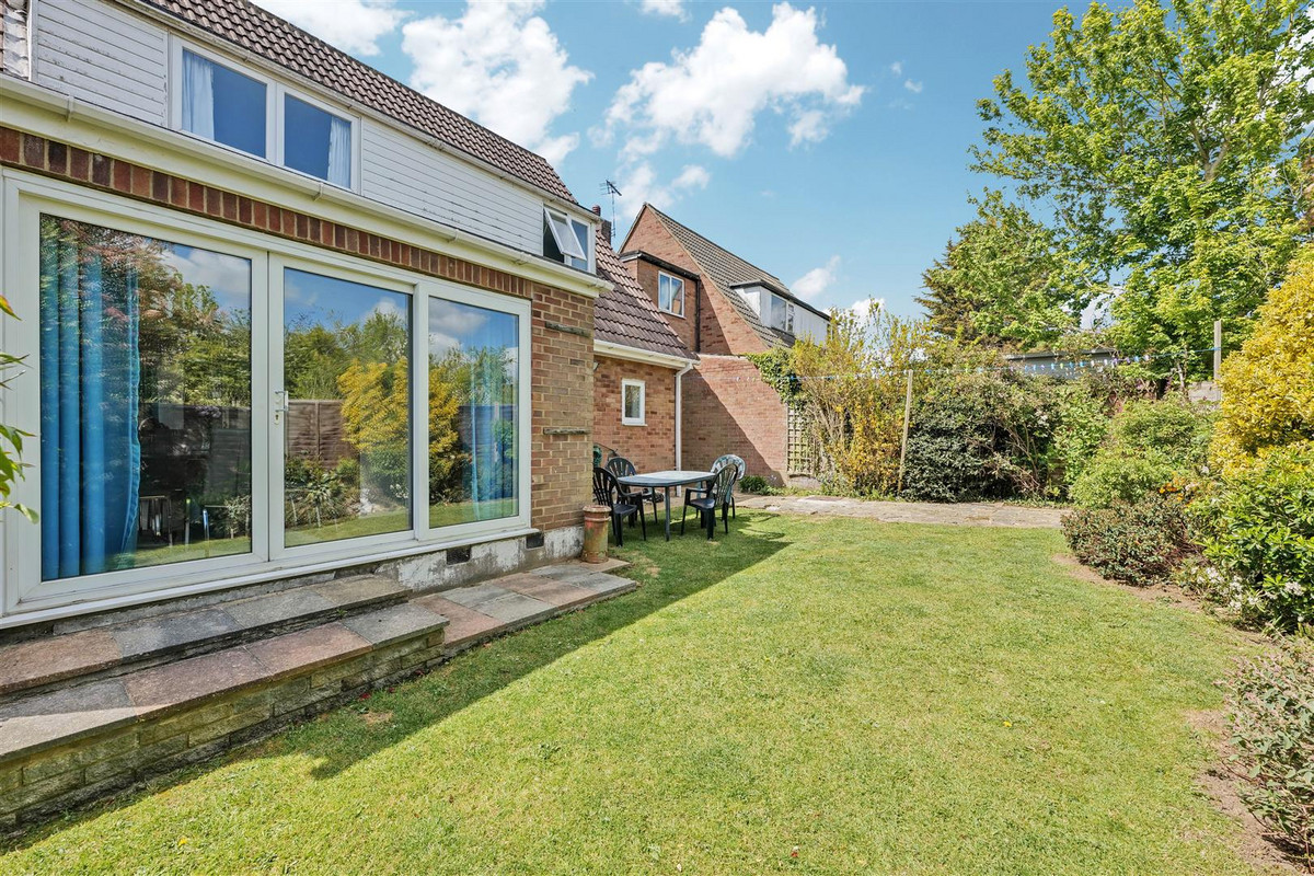 Image 1 of Wren Close, Leigh-on-sea, SS9
