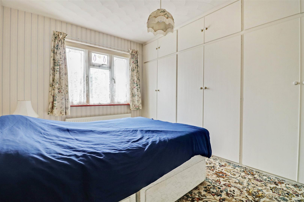 Image 1 of Queen Annes Drive, Westcliff-on-sea, SS0