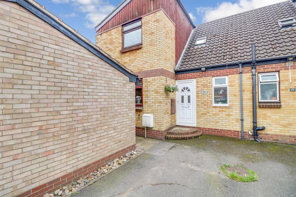 Image 1 of Jardine Road, Basildon, SS13