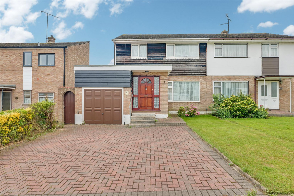 Image 1 of Derwent Avenue, Rayleigh, SS6