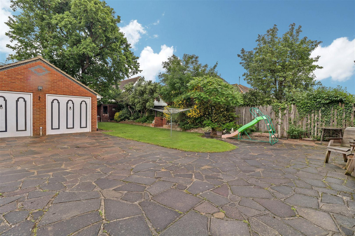 Image 1 of Lascelles Gardens, Rochford, SS4