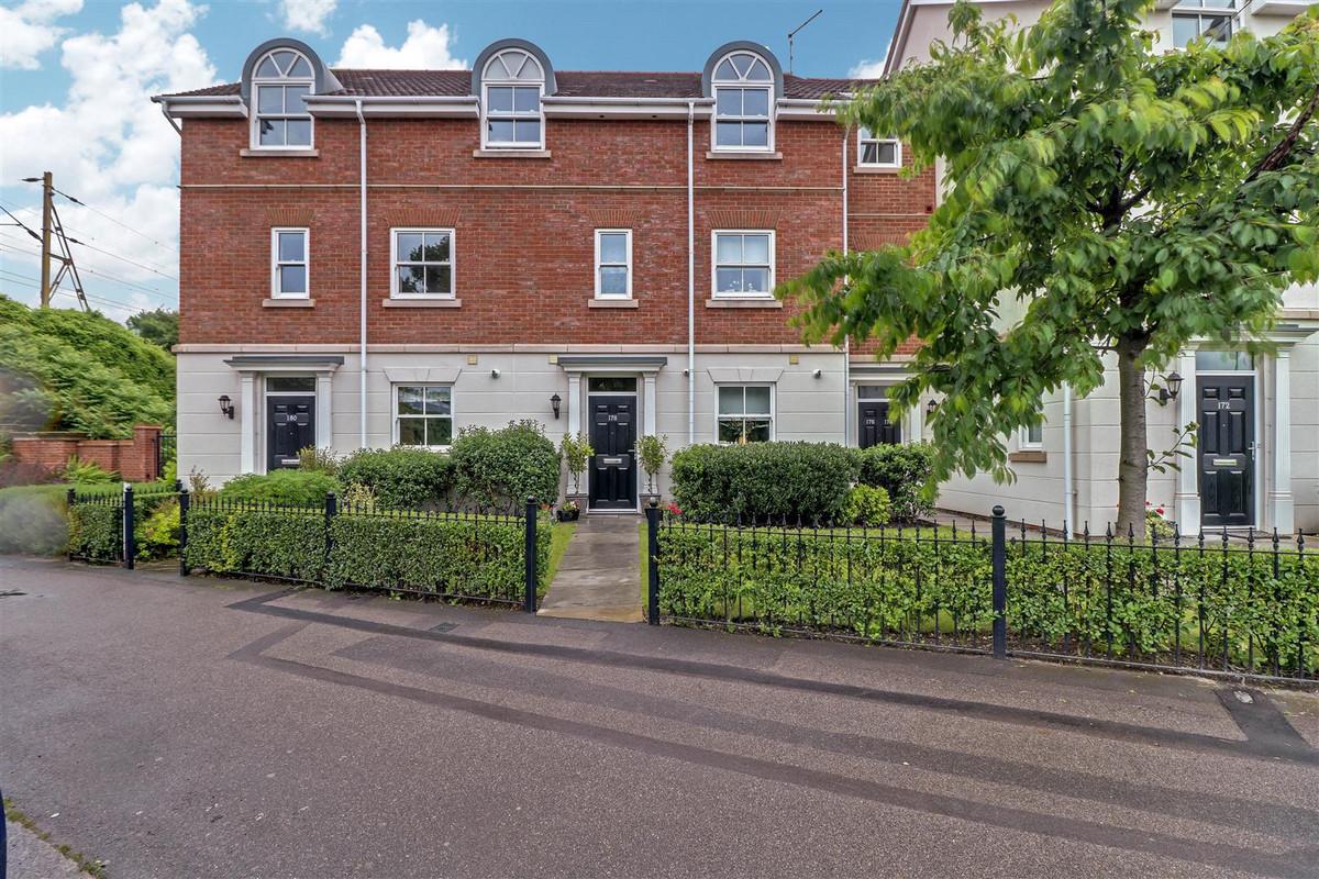 Image 1 of Thorpe Hall Avenue, Southend-on-sea, SS1