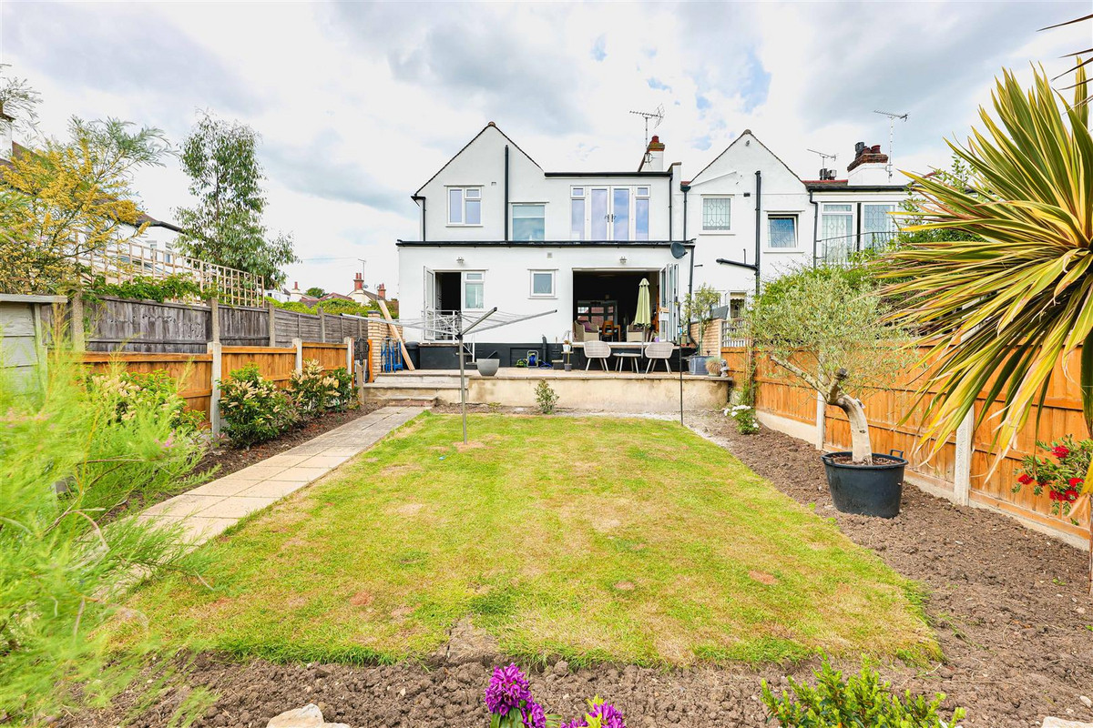 Image 1 of Cliff Avenue, Leigh-on-sea, SS9