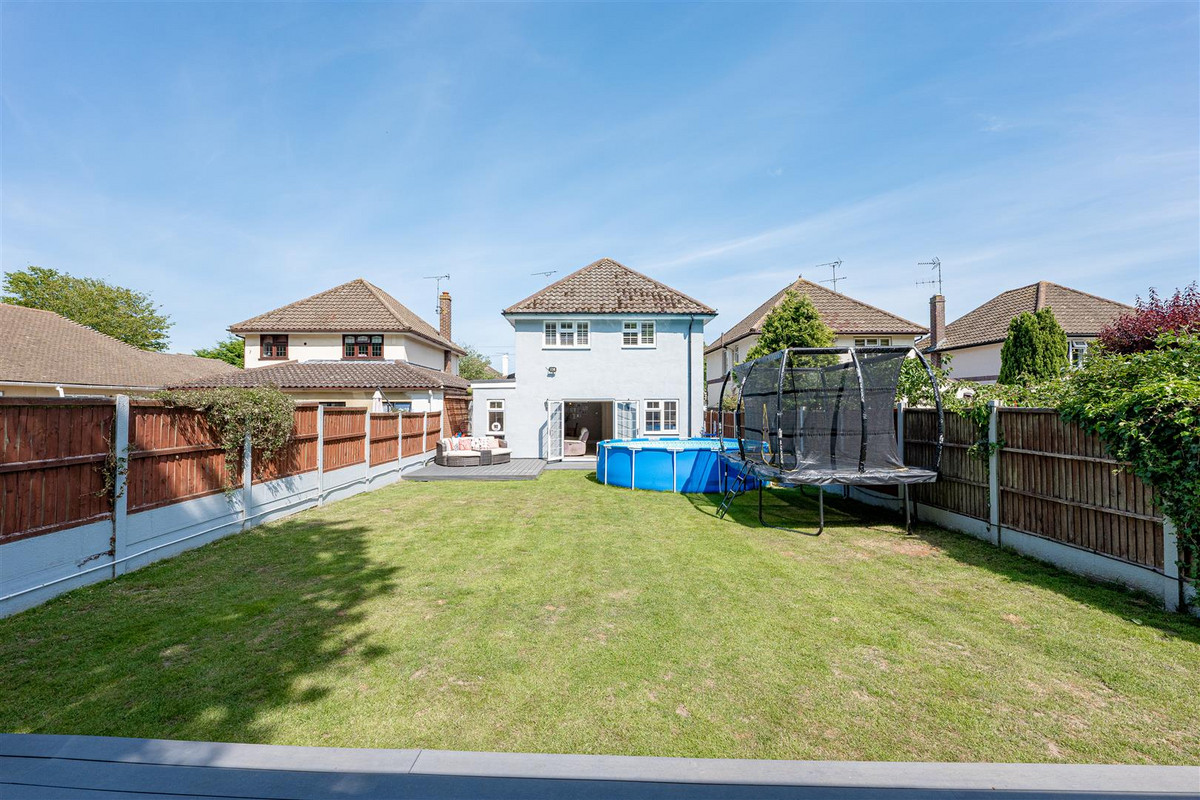 Image 1 of Woodside, Leigh-on-sea, SS9