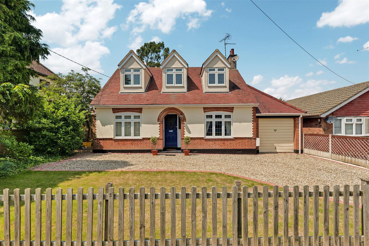 Templewood Road, Hadleigh, SS7