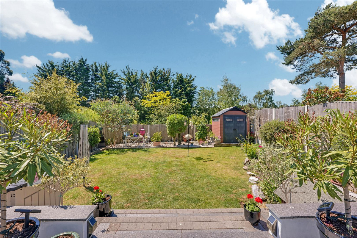 Image 1 of Holly Tree Gardens, Rayleigh, SS6