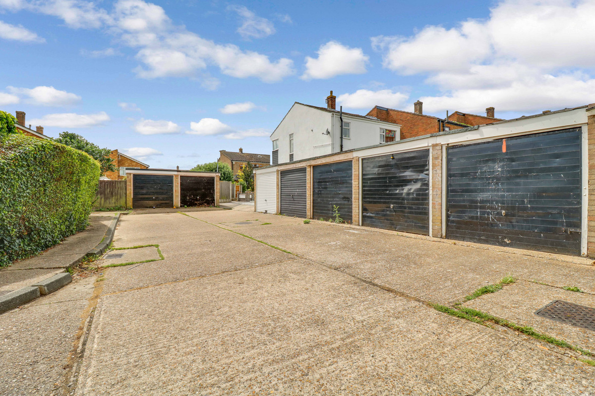 Image 1 of Rydal Close, Rayleigh, SS6