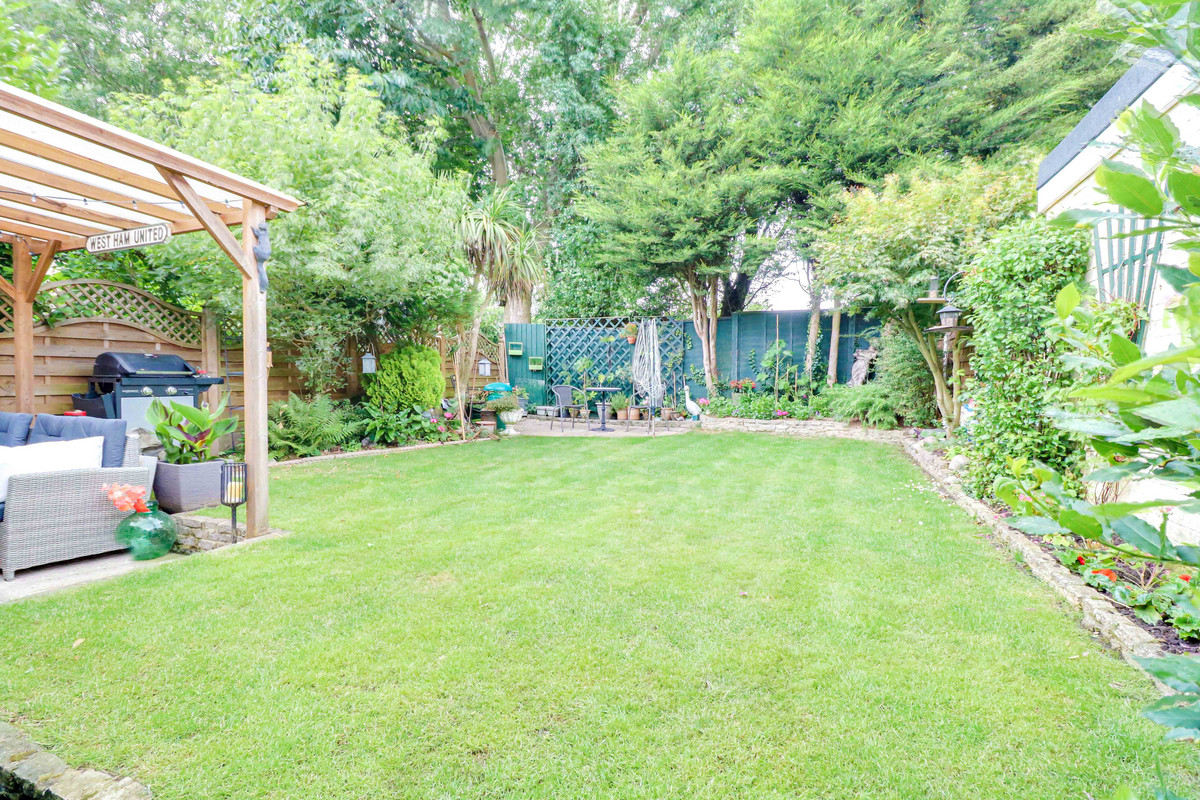 Image 1 of Dorothy Gardens, Benfleet, SS7