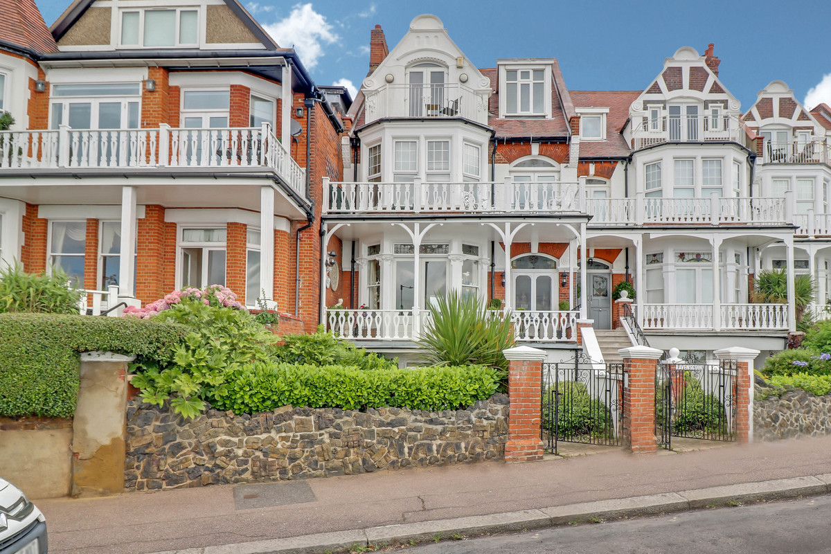 Image 1 of The Leas, Westcliff-on-sea, SS0