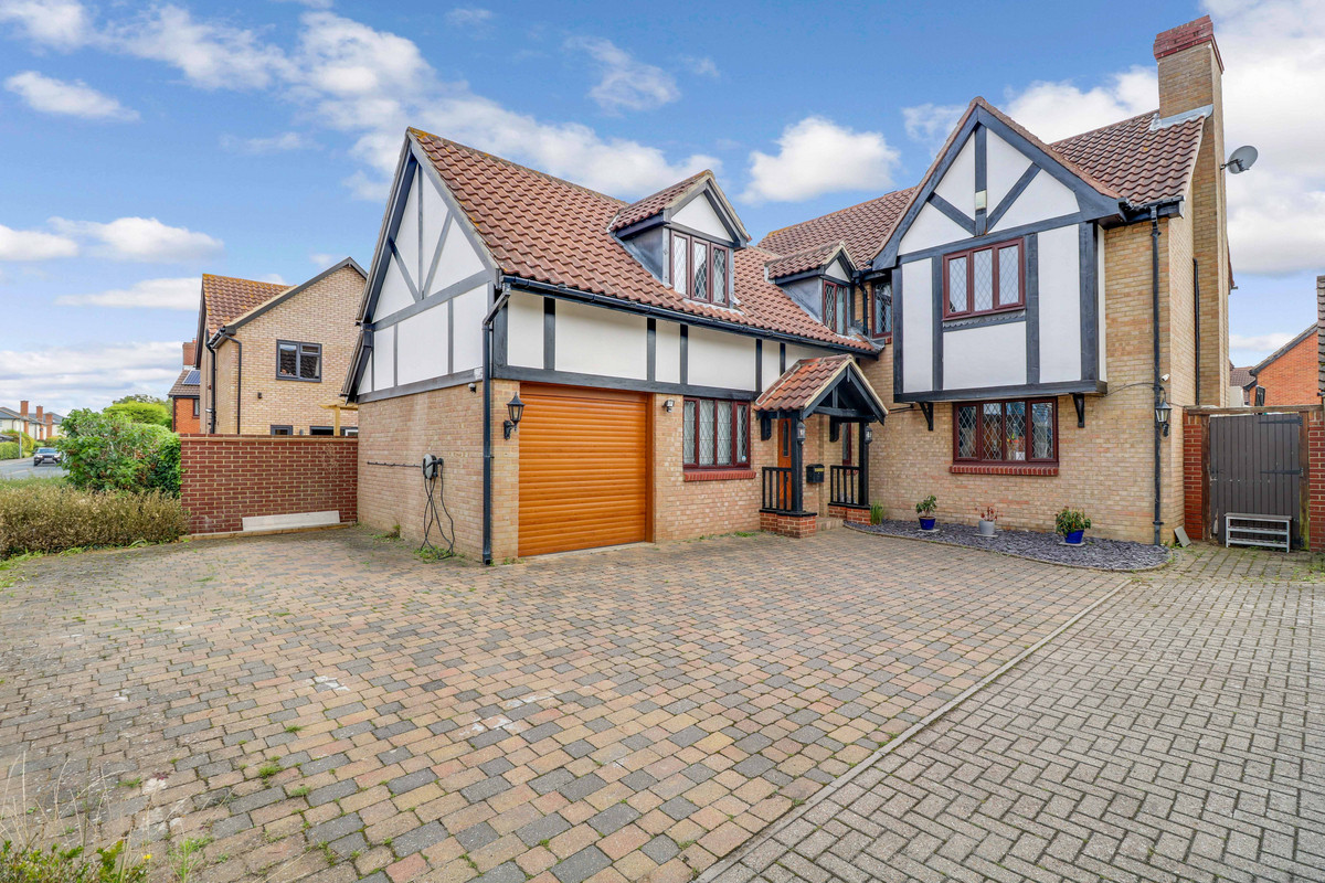 Downhall Park Way, Rayleigh, SS6