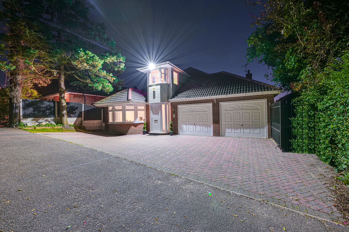 Image 1 of Westview Drive, Rayleigh, SS6