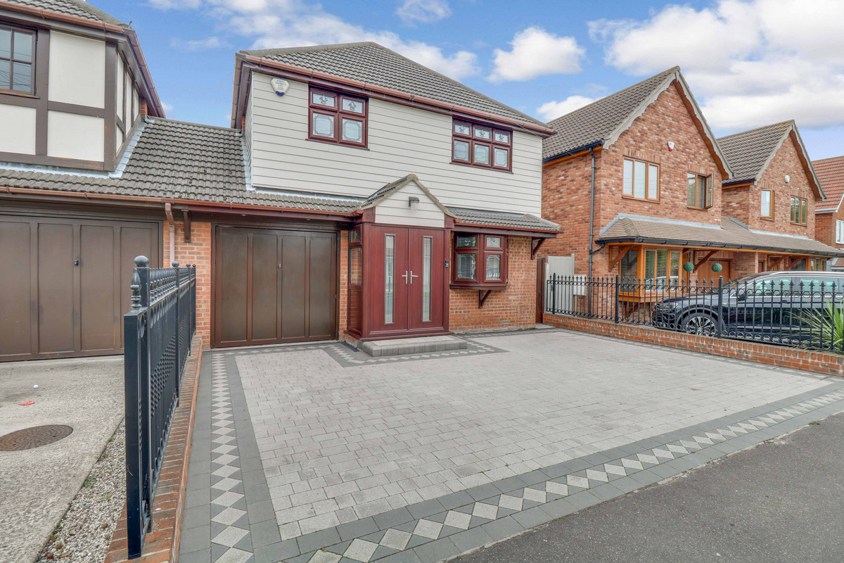 Image 1 of Chesterfield Avenue, Benfleet, SS7